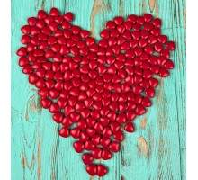 Milk chocolate dragee Red hearts (100 grams)