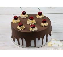 """Муляж """"Торт шоколадный с вишней"""""""